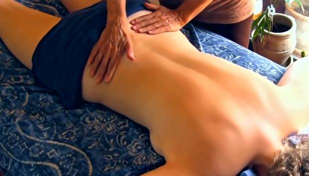 Masáž chrbta