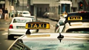 Taxi z letiska